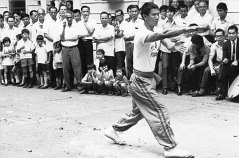Jie Kon Sieuw demonstrating in Surinam 1971