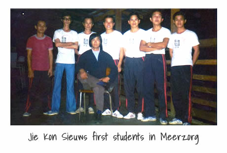 Jie Kon Sieuw first students in Meerzorg